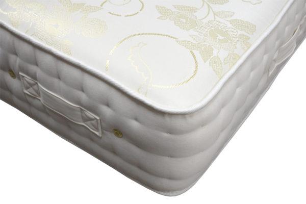 Serenity Comfort Arley double mattress, showing corner